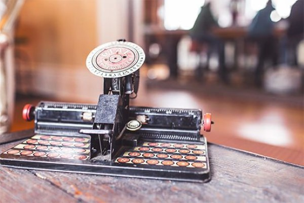 Retro Typewriter Free Photo